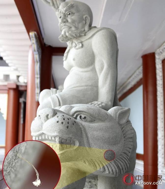 """韩国罗汉石像开百余朵""""神花"""" 相传3000年一见"""