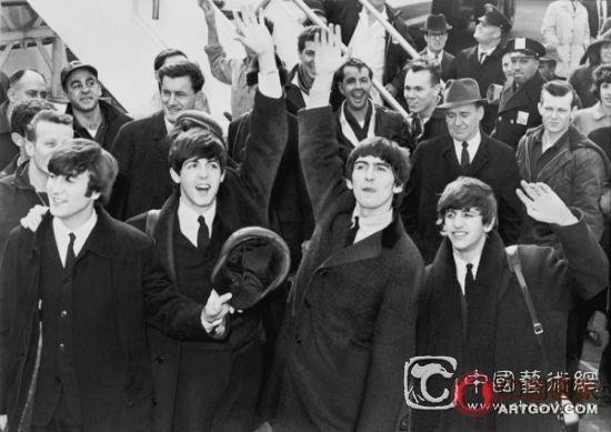 约翰·列侬手稿全数成交:创白手套佳绩