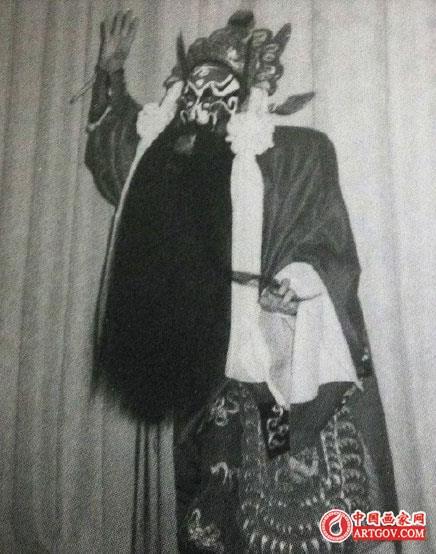 京剧表演艺术家马崇仁去世 为马连良长子