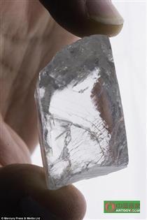 232克巨钻南非出世 一颗目前为止最大的毛坯钻石